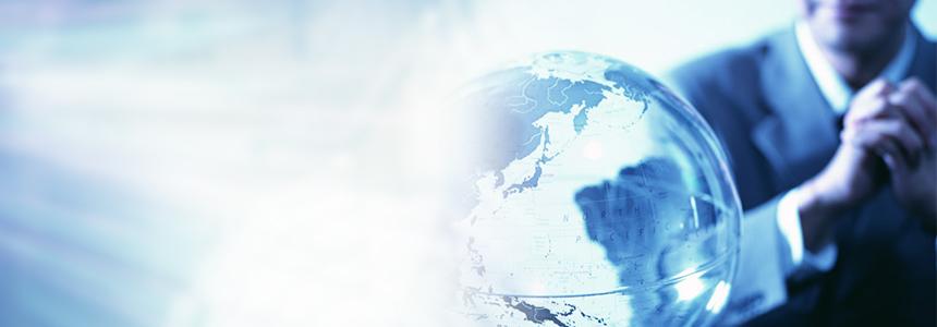 世界中に販売するインターネットの越境EC